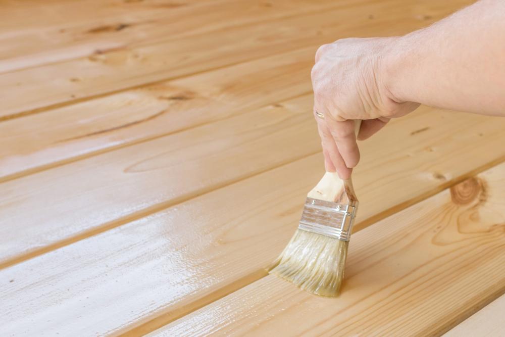 Aké výhody prináša voskový olej na drevo aako ho správne aplikovať?